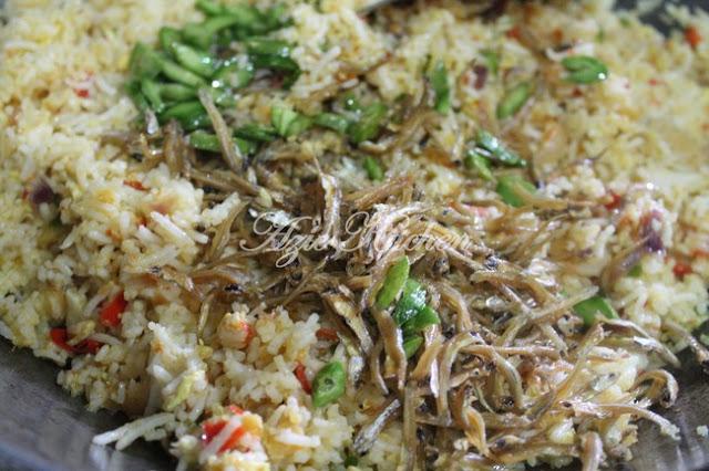 Nasi Goreng Ikan Bilis Petai Yang Sangat Sedap