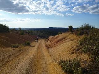 Descenso al Arroyo del Hocinote