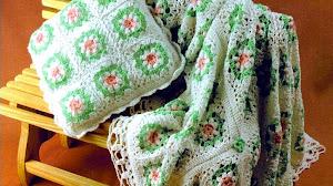 Manta y almohadón al crochet con grannys - con patrones