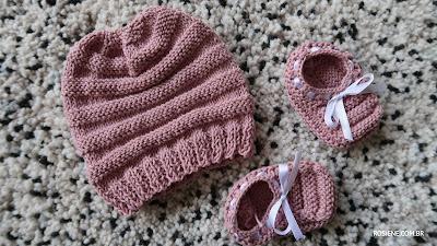 gorro e sapatinho de bebe em tricô