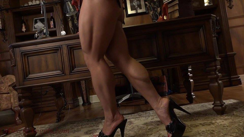 Shaved brunette babe niki sweet with calves wearing black stockings