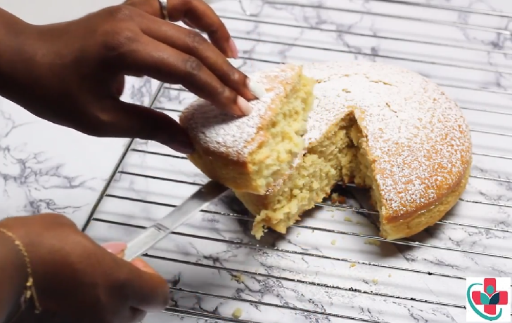 HOW TO MAKE A HEALTHY YOGURT CAKE