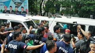 Keluh Kesah Warga Imbas Demo Sopir Angkot Tangerang
