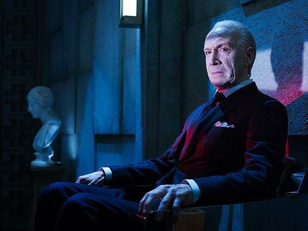 Jonathan Hyde as wealthy old Eldritch Palmer in The Strain Season 1 Episode 1 Night Zero