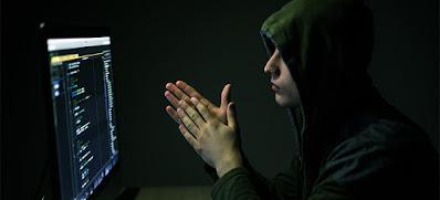 Hacker dari california ditangkap setelah meretas situs web militer