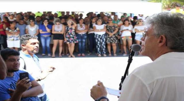 Em Pitimbu, governador entrega sistema de abastecimento d'água