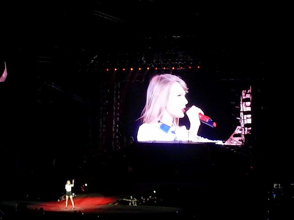 Taylor Swift Red Tour Philippines June 6, 2014