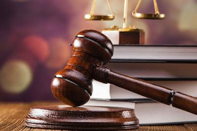 Resultado de imagen para juez aplicando sentencia