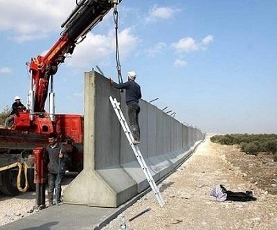 Το τείχος της ντροπής και οι βουλευτές του ΣΥΡΙΖΑ