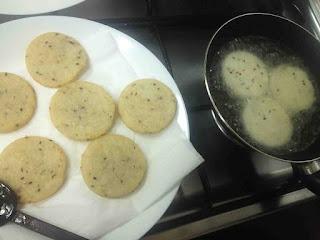 fried pathiri