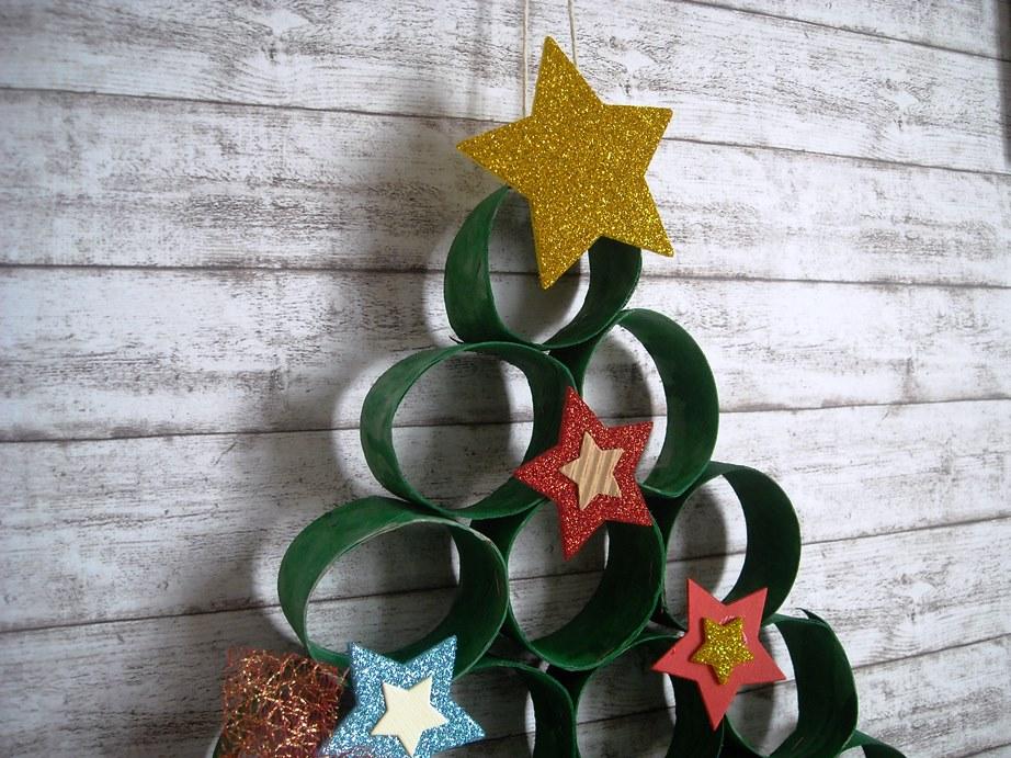 Angolino Di Liana Albero Di Natale Con I Rotoli Di Carta