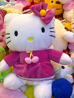 FOTO GAMBAR BONEKA HELLO KITTY LUCU PIC HELLO KITTY DOLL
