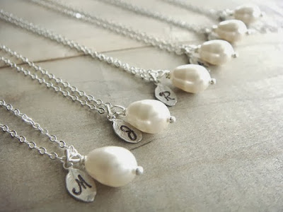 https://www.etsy.com/listing/124643965/bridesmaid-gift-7-cream-or-white-pearl?ref=favs_view_3