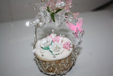 CUPCAKE IN A BASKET