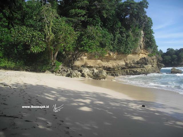 Wisata Tulungagung Pantai silangkap
