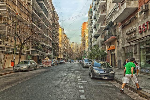 Vista de una calle de Bs As