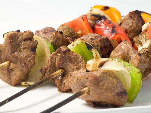 Receita: espetadas de porco com pimentão