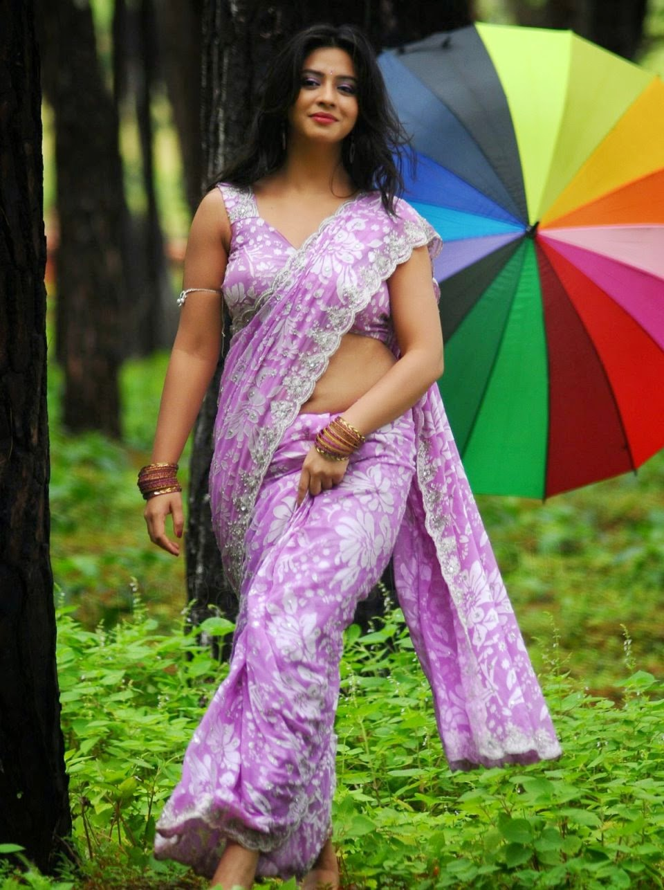 Actress Nisha Shah Hot Navel Show In Saree Stills - Cine ...