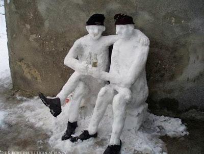 besoffene Schneemänner lustig - Winterbilder