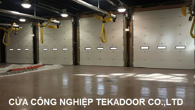 Sectional Overhead Door Cửa cuốn cách nhiệt