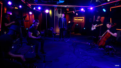Sam Smith - Fast Car ( Tracy Chapman #cover in the Live Lounge ) BBCRadio1