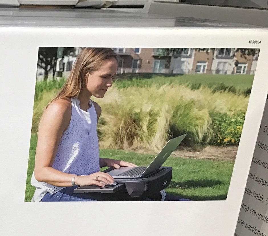Telecommuters will love the Sofia + Sam Portable LapDesk