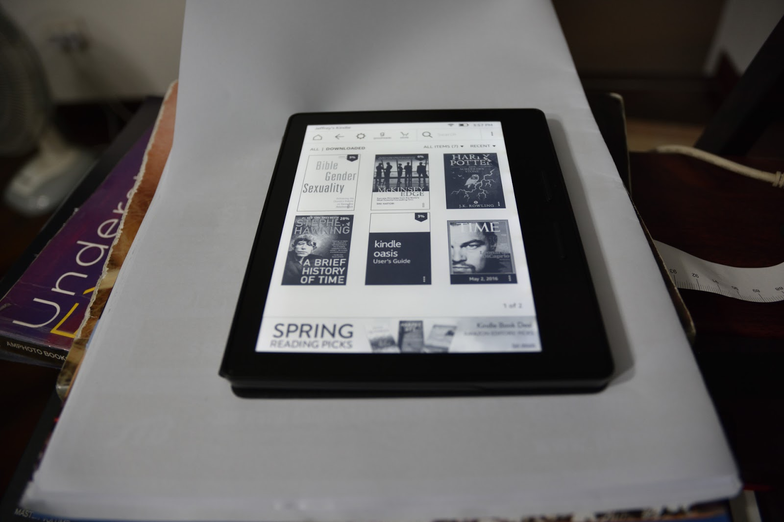 Jeff's Blog: Amazon Kindle Oasis in Singapore (Mid 2016)
