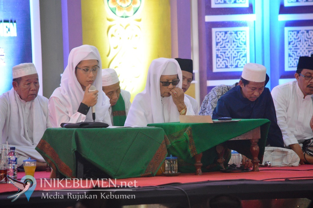 Sebelum Wafat, KH Musyaffa Ali Tunjuk Gus Faiq jadi Penerus Mursyid Thoriqoh Syadziliyyah