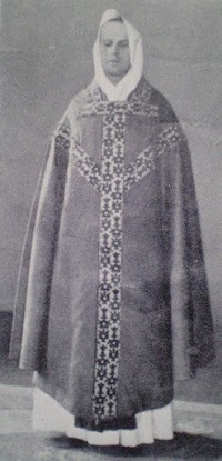 Sacristy Tips: How To Correctly Wear a Conical Chasuble