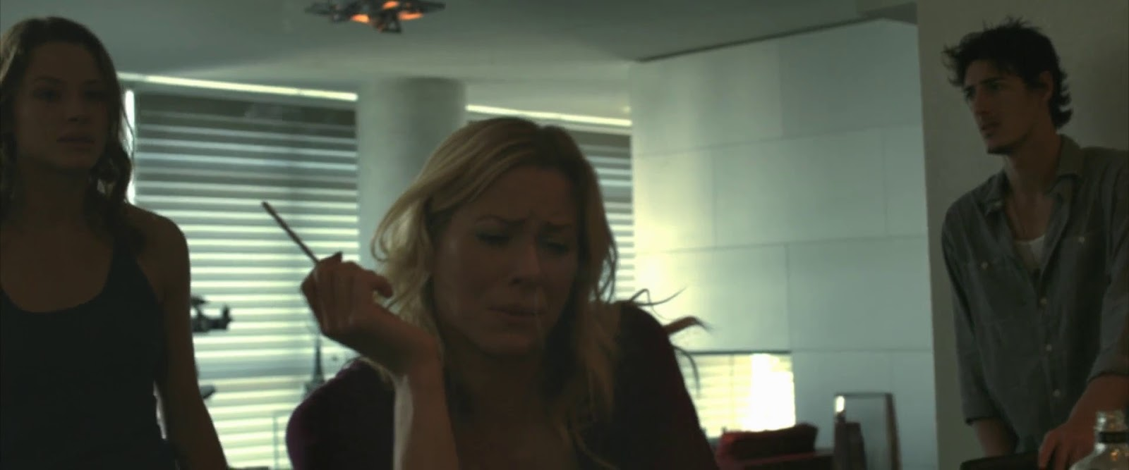 Skyline (2010) 3