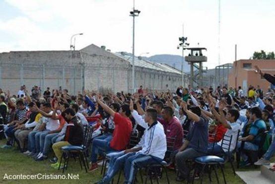 Culto cristiano en prisión de Chmbas, Argentina