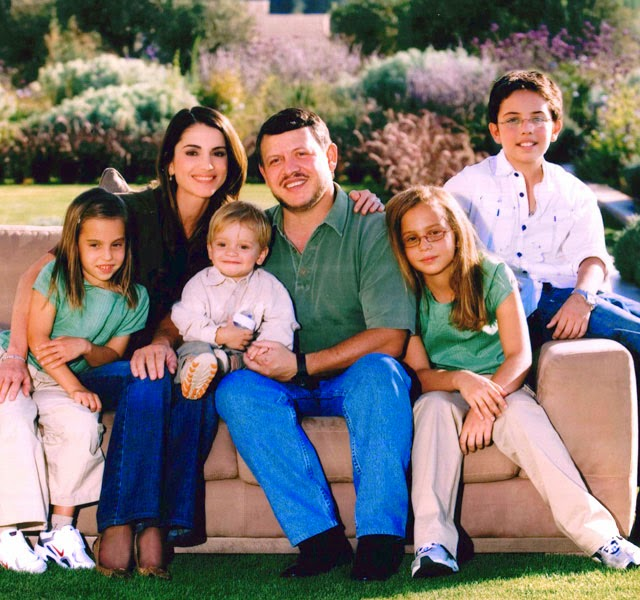 king_abdullah_ii_queen_rania_family_640_f.jpg