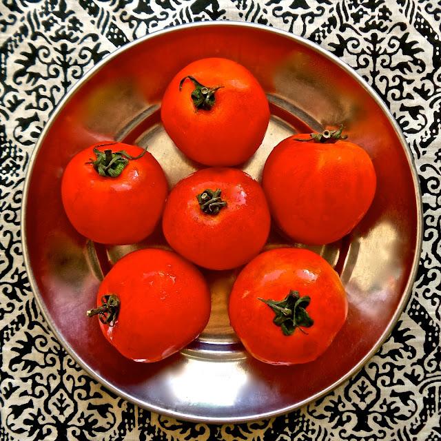 hot and spicy hyderabadi tomato chutney, recipe, tomatoes, chutney, relish, spicy, chili, easy, Indian, vegetarian, vegan, veg, simple, hot, garlic,