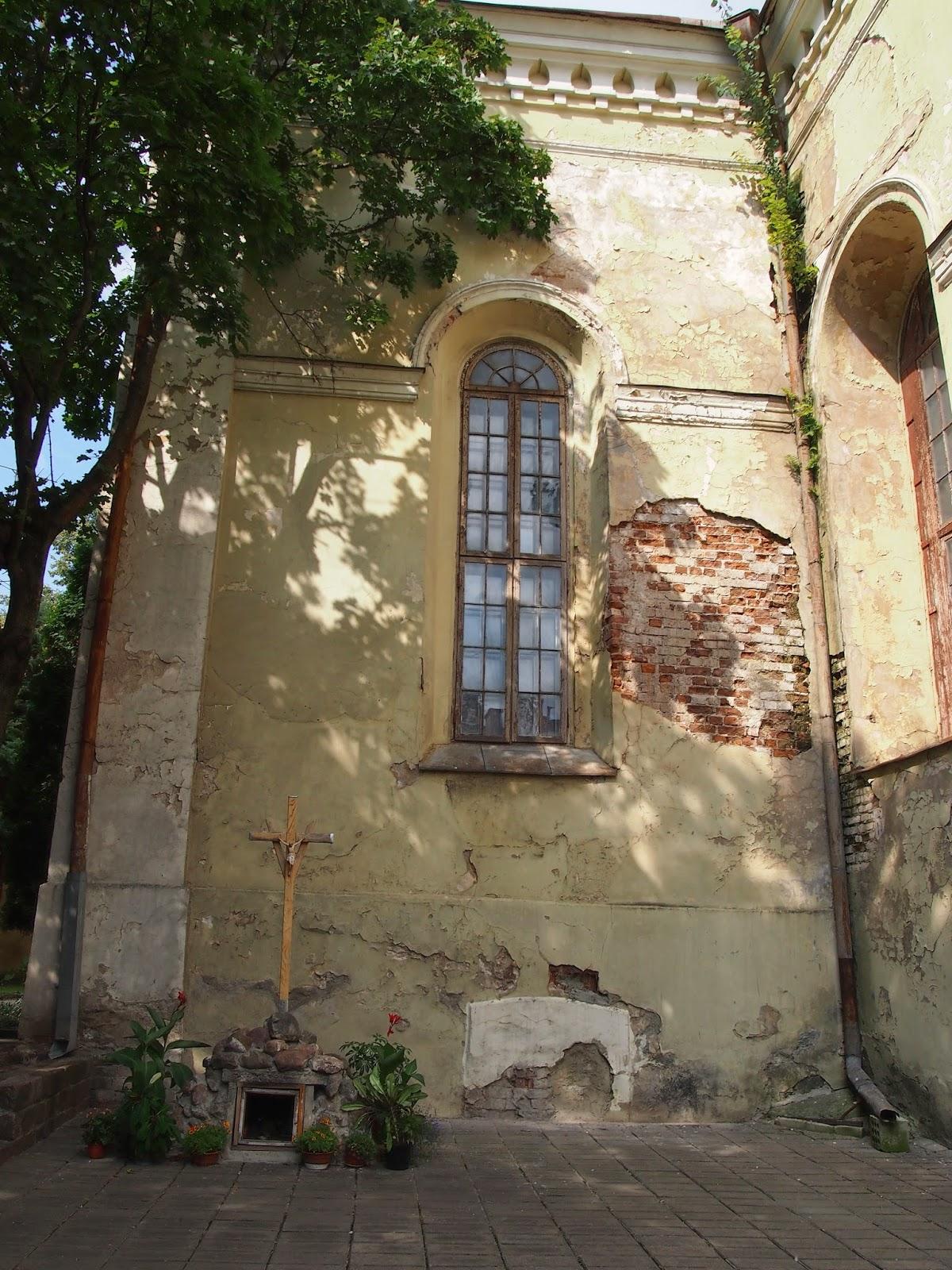 A church in disrepair in Kaunas Old Town