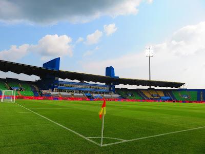 Stade de Franceville (capacity 22,000) in Franceville.