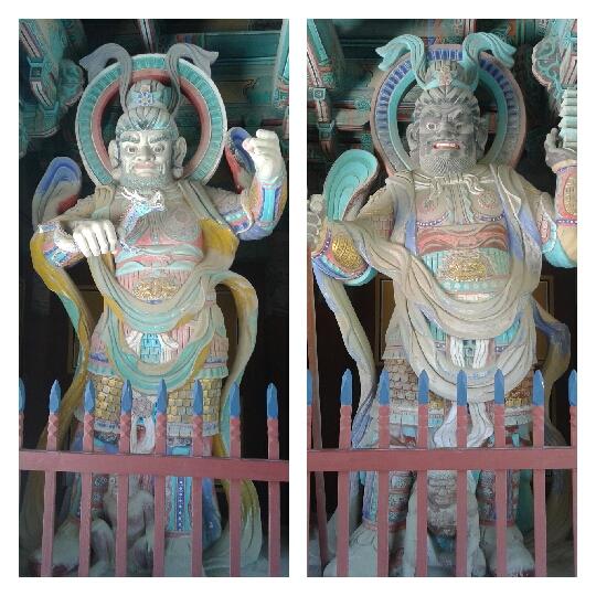 Guardianes Virupaksa del Oeste - Vaisravana del Norte