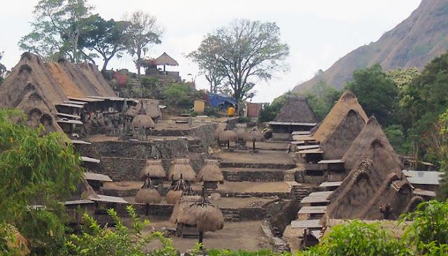 kampung adat bena