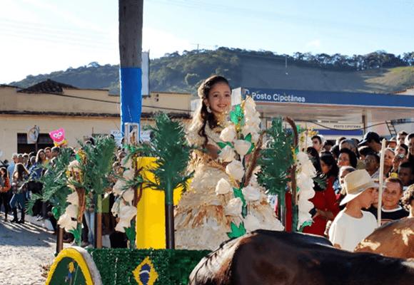 Festas-Desfile-milho