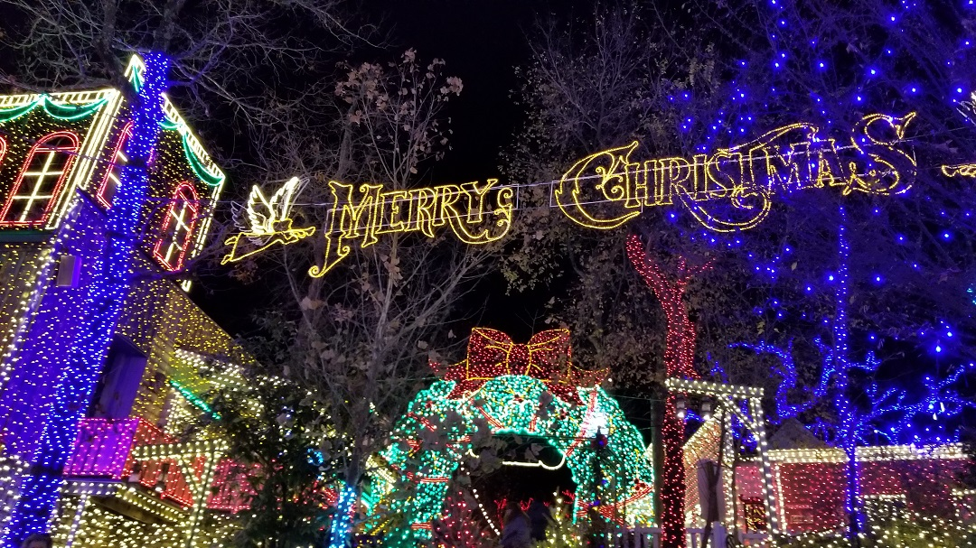 a new addition this year to silver dollar city in branson is christmas in midtown the crew found so much to see with the sun goes down in midtown - Silver Dollar City Christmas