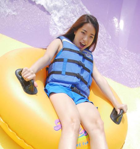 Ini dia Tempat Wisata Waterpark dan kolam Renang di Bekasi yang wajib kamu ketahui