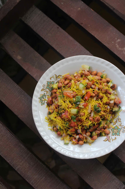 Crunchy Peanut Salad