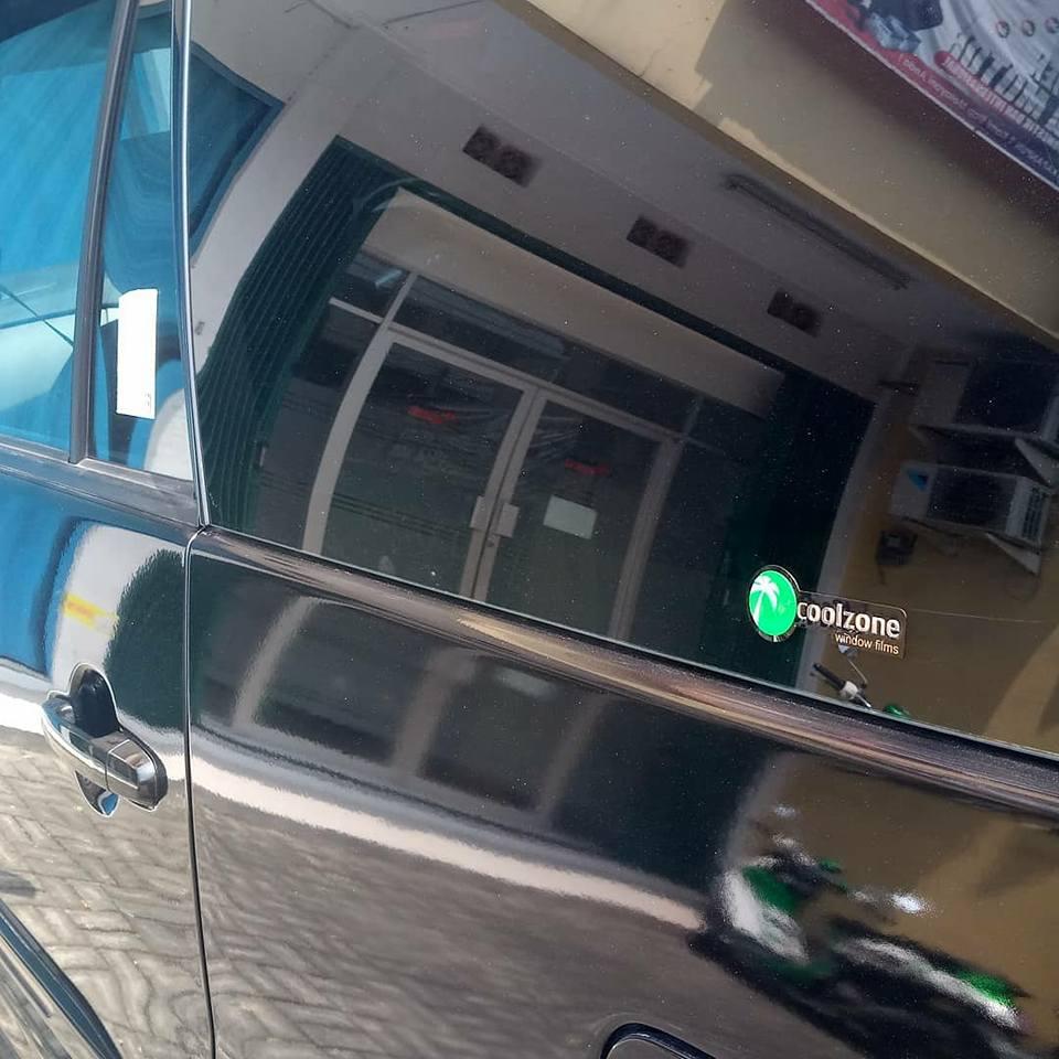 jasa pasang kaca film 3M™ untuk mobil Toyota Calya