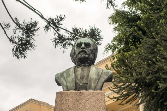 Busto do Visconde de Guarapuava