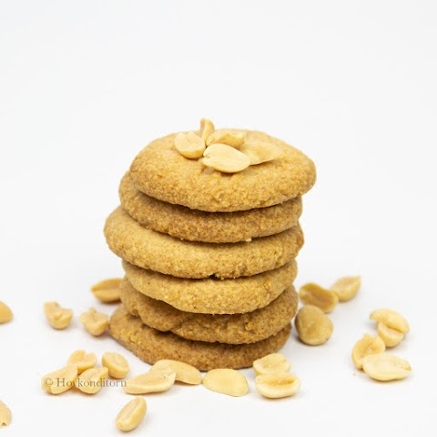 GF, Vegan & Sugar-Free Peanut Butter Cookies