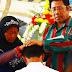 Siti dan Pastor di Flores