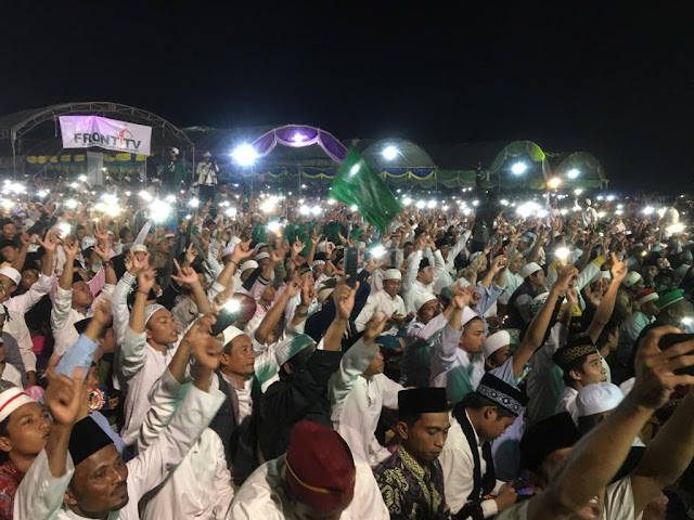 Dihadiri Ratusan Ribu Massa, Prabowo Presiden Menggema di Acara Haul Akbar Masyayikh dan Habaib se Madura