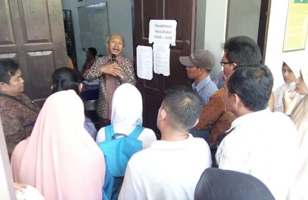 desakan ppdb sma offline tunggu keputusan gubernur jabar