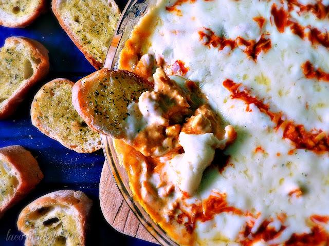 Buffalo Chicken Dip w/ Valentina Hot Sauce - lacocinadeleslie.com