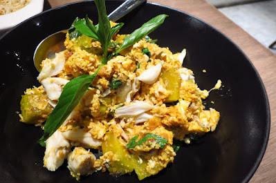 Bangkok, Kub Kao' Kub Pla, crab pumpkin eggs