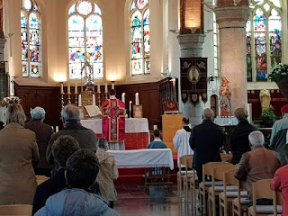 Bedevaart Dadizele - Tridentijnse Mis voor het Feest van het Heilig Bloed in de kerk van Geluwe